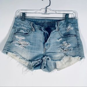 AMERICAN EAGLE OUTFITTERS RIPPED JEAN SHORTS